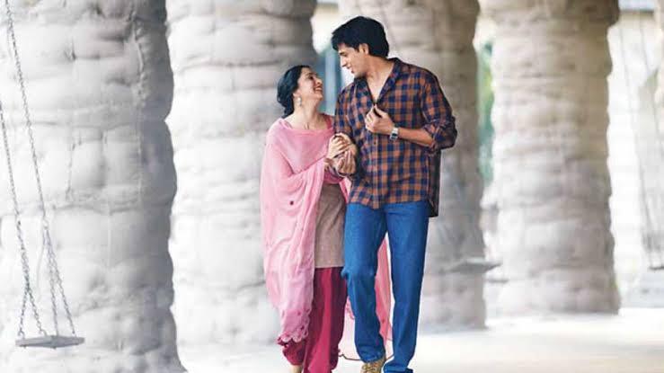 Shershaah Vikram Batra & Dimple Cheema Spent Just 40 Days Together, Reveals Film's Screenwriter