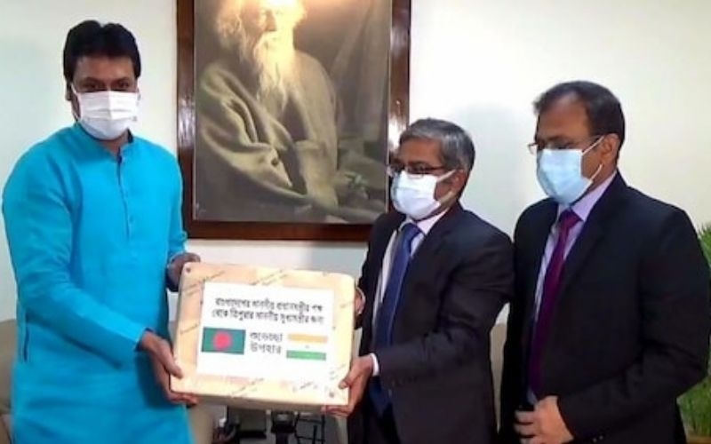 Tripura CM receives 300kg mangoes from Bangladesh PM, as a goodwill gesture