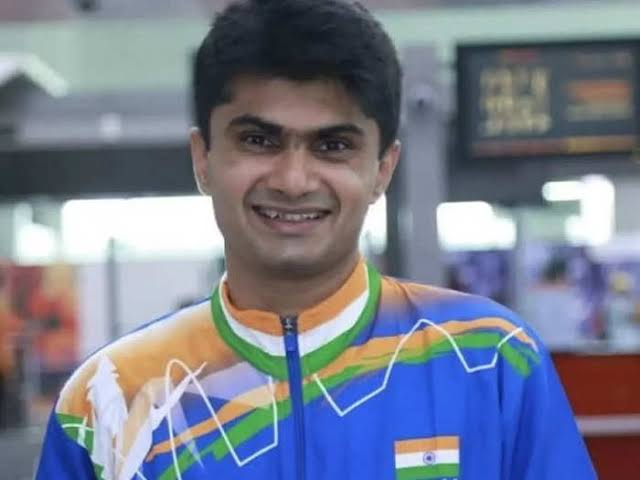 Meet Noida DM Suhas L Yathiraj: Paralympics Silver Medalist