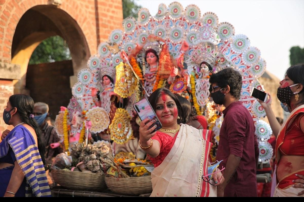 West Bengal increases Covid breaks till 30th October and allows movement during Durga Puja