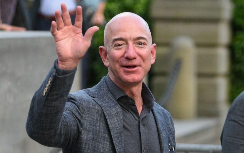 Following Pentagon Move, Jeff Bezos Sets a New Wealth Record of $211 Billion