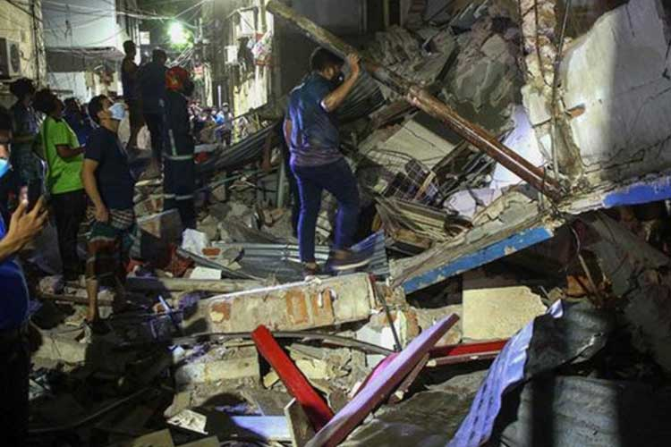 An explosion at a business building in Dhaka, Bangladesh, resulted in the deaths of seven people and the injuries of dozens more.