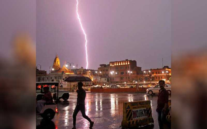 Jaipur News -  Lightning strikes Near Amer Fort Jaipur, 11 Dead