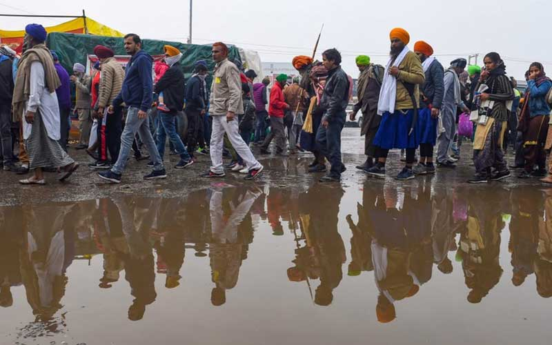 Protesting farmers march towards Raj Bhawans after 7 months of unrest; security intensified