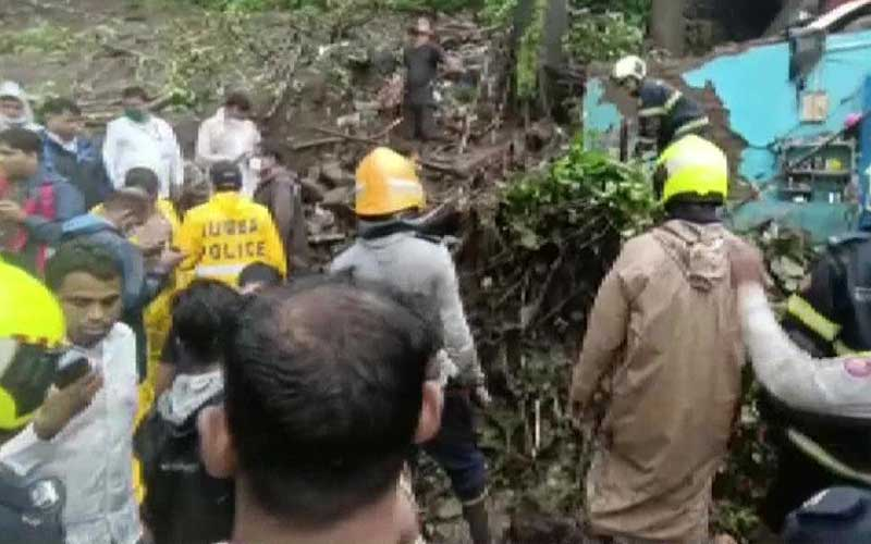 15 Killed as walls collapse amidst continuous rain, several feared trapped