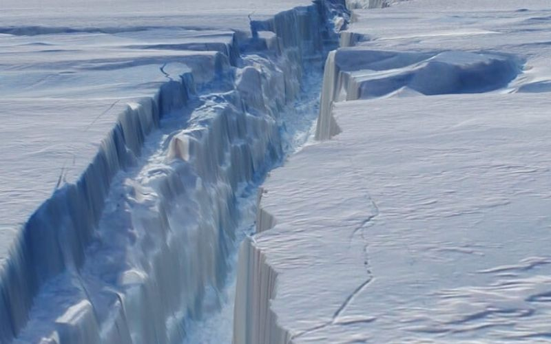 Great Ice Shelf is sinking sooner than predicted