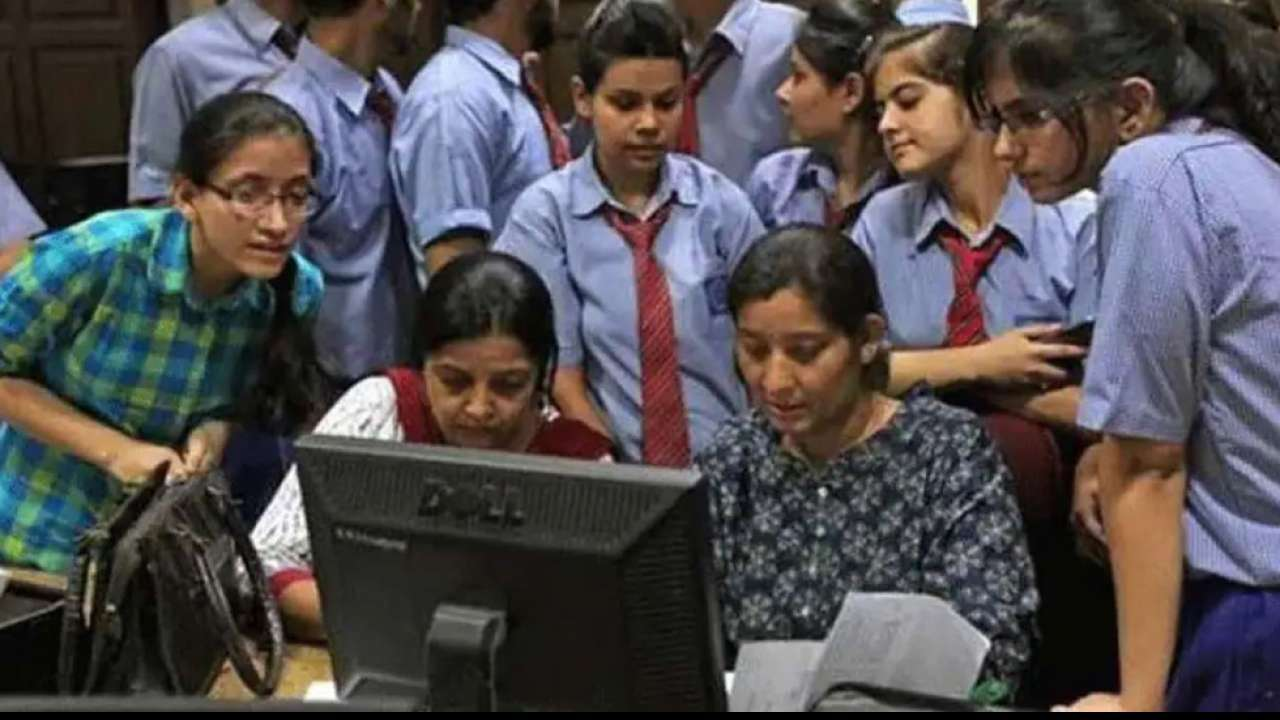JEE results out- 18 Students get Rank 1 which included Two Female Students