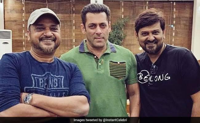 Salman Khan celebrates with Wajid Khan's birthday along with his brother Sajid