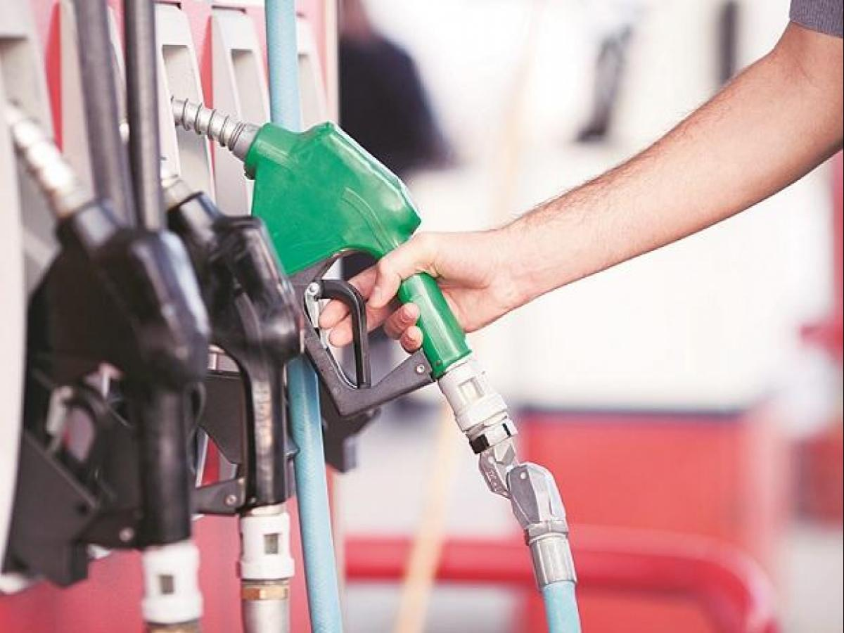 12th October- Petrol, Diesel prices at a fresh high record, check prices in your city