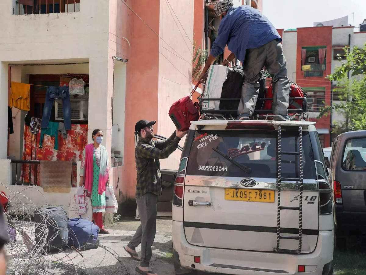 Kashmiri Pandits plan to leave Valley, despite government's assurances