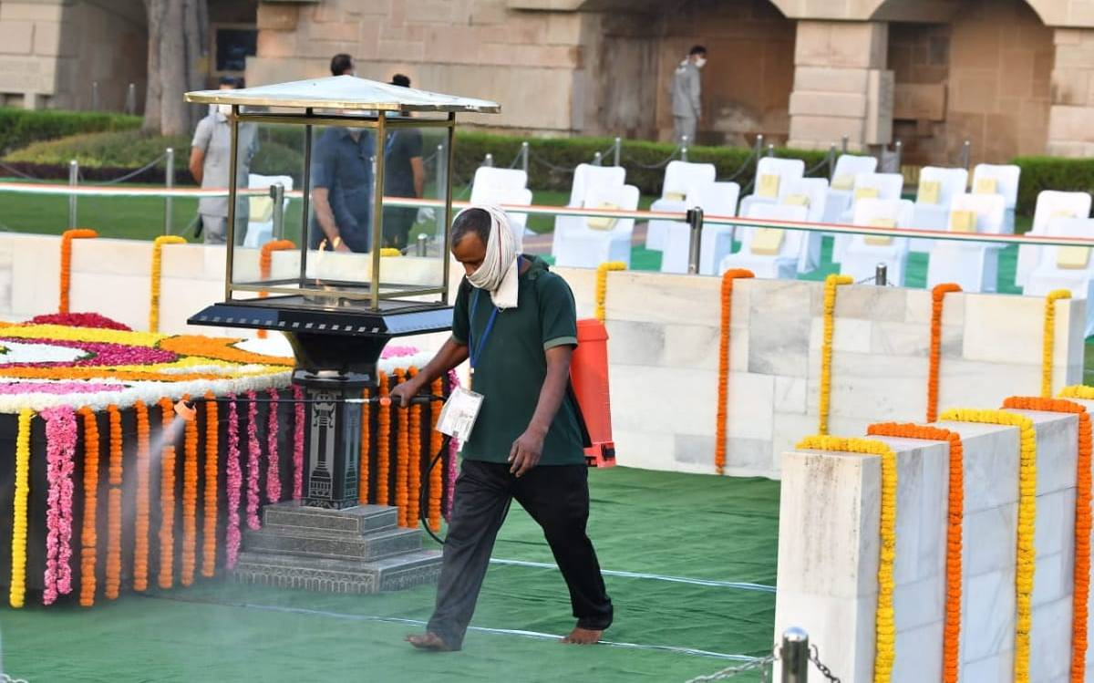 The government of UP changes COVID 19 lockdown guidelines, permits 100 people to attend weddings at places outside containment zones