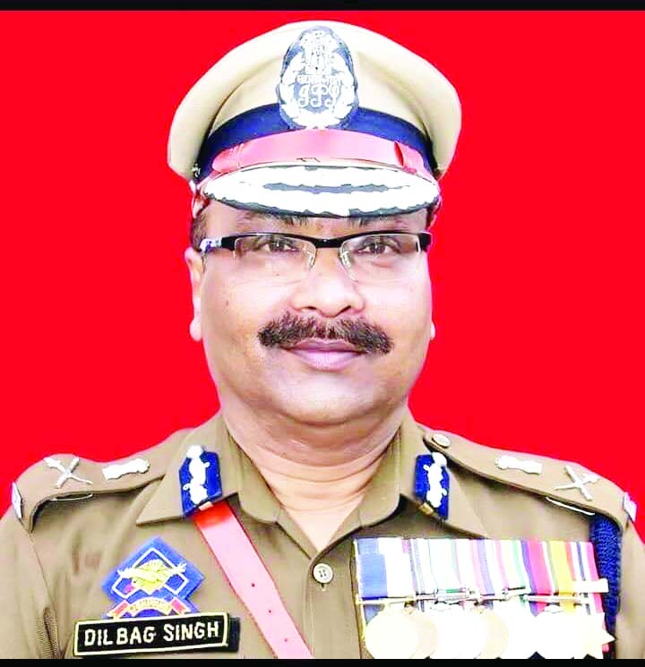 NUJI Hails DGP's Swift Action Against Police officer For ThrashingOf Journalists BY J&k Police